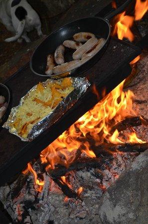 Beacon Hill Farm: Sausage Sizzle