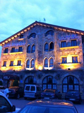 Hotel Las Ruedas: Hotel por la noche