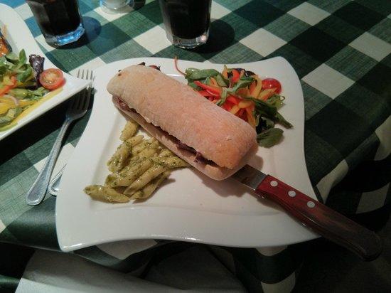 Victoria's Restaurant & Coffee Shop: Steak sandwich
