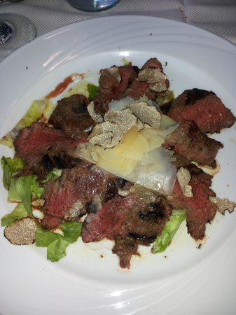 Corte San Giovanni: tagliata tartufo e grana