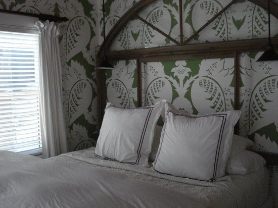 Villa Delle Stelle: bedroom which also had tv