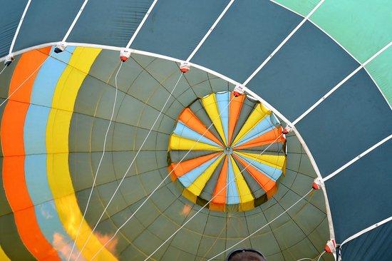 Au gré des vents : le ballon, une merveille de couleur