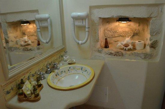 Palazzino di Corina: Our bathroom