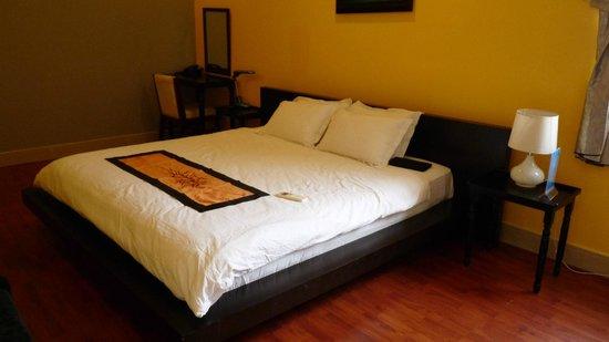 Nam Mon Hotel: Suite on top floor