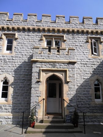 Pettigrew Tea Rooms: Main entrance