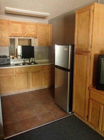 Rustic Inn : La cuisine qui fait aussi office de lavabo