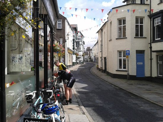 Smatt's Duo Cafe Bar & Bistro: First class fuel for pedalling