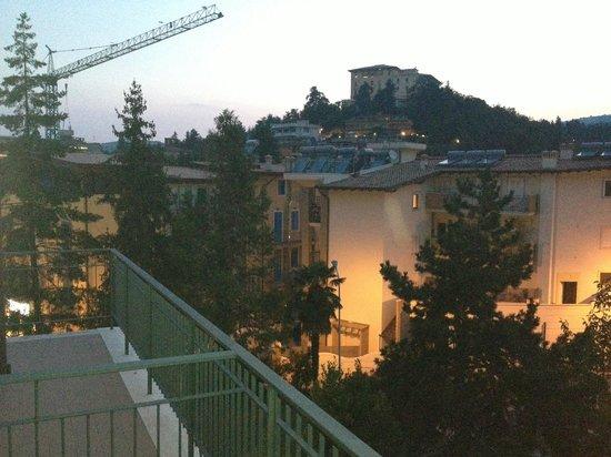 Dei Pini Hotel : Vista dal balcone della stanza n. 207