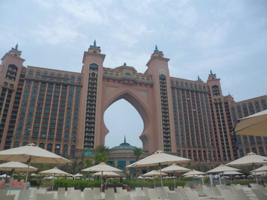 Atlantis, The Palm: Hotel from beach