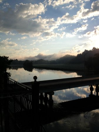 Stockport Mill Country Inn: View from room -- Sunrise over the river