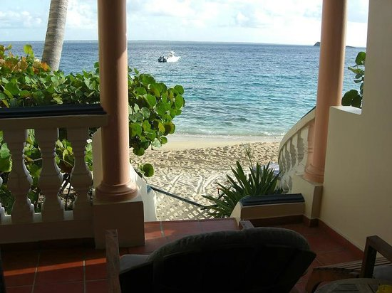 Le Petit Hotel: Direct access to the beach !