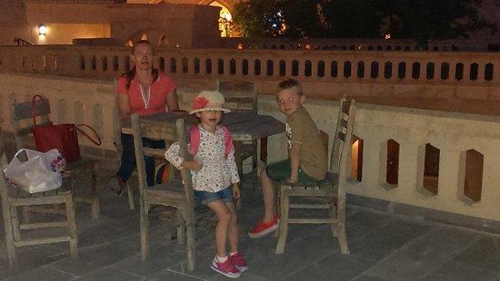 Dilek Kaya Hotel: Family on the terrace