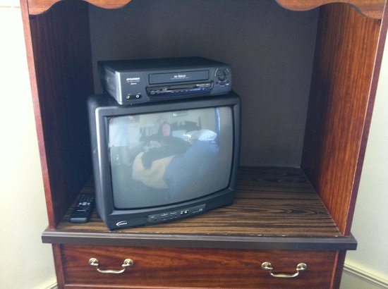 Braeside Inn: TV