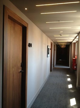 AQUILA Atlantis Hotel: couloir des chambres