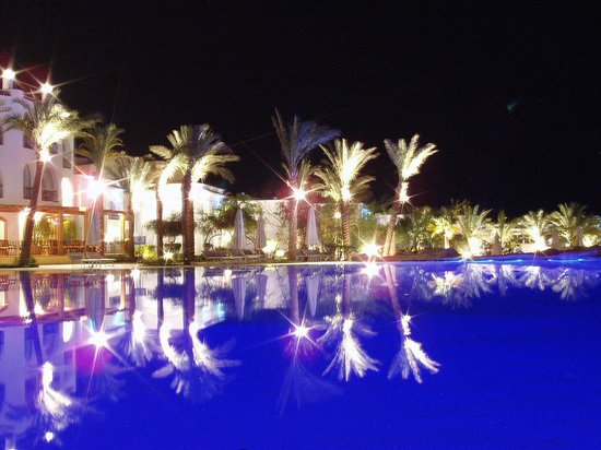 Savoy Sharm El Sheikh: water pool at night - with my professional cam