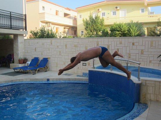 Villa Angelica: mast jump