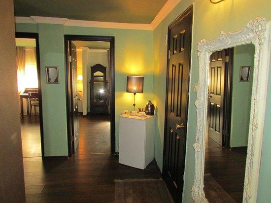 Nina Cafe Suites Hotel: Studio Suite