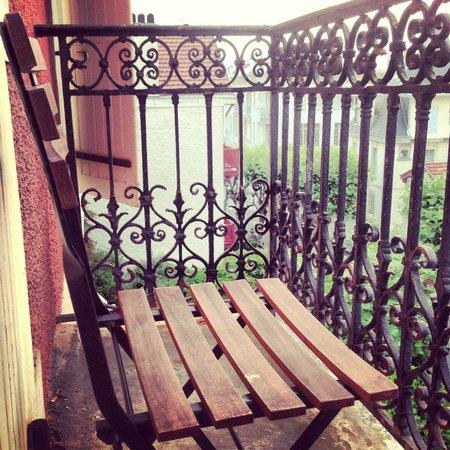 La Maison du Lierre : Petit balcon romantique