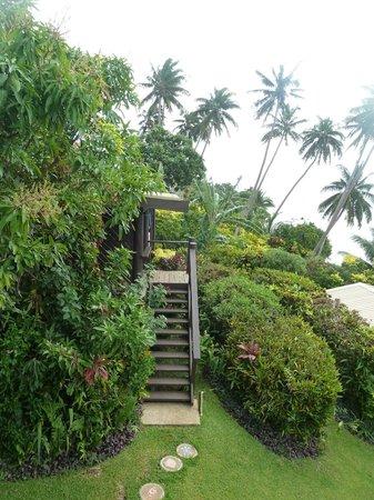 Coconut Grove Beachfront Cottages: entrance to Mango Bure