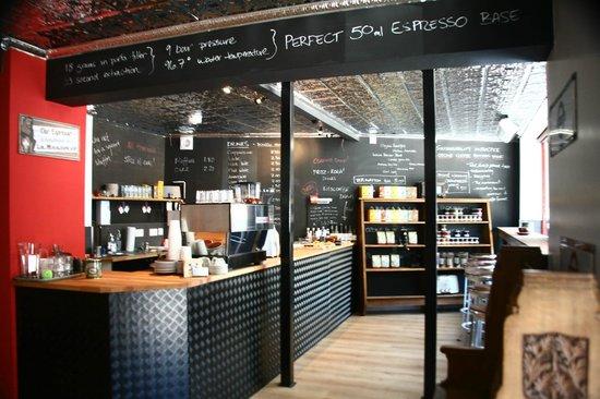 Darkhorse Espresso: Interior