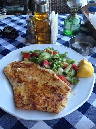 Manos' Fish Restaurant Photo