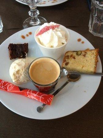 Chez Julien : café Gourmand du jour ! ...