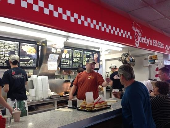 Gordy's HI Hat Drive-Inn: Ordering counter from the left