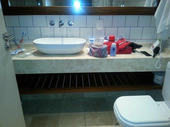 Aspen Square: baño