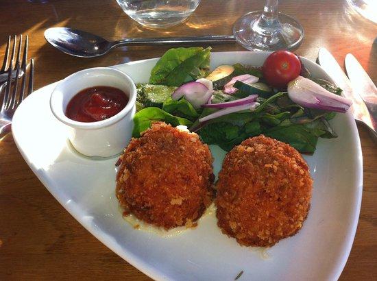 Amici: Tomato & Mozzerella Balls