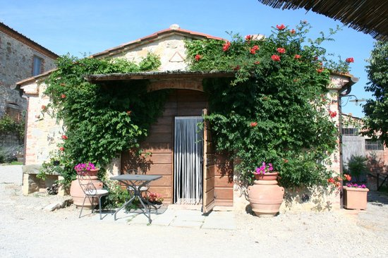 Podere Alberese : The breakfast room