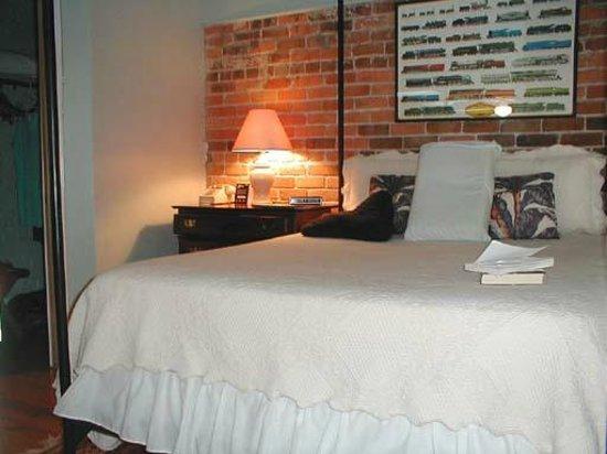 The Wilmingtonian: upstairs bedroom