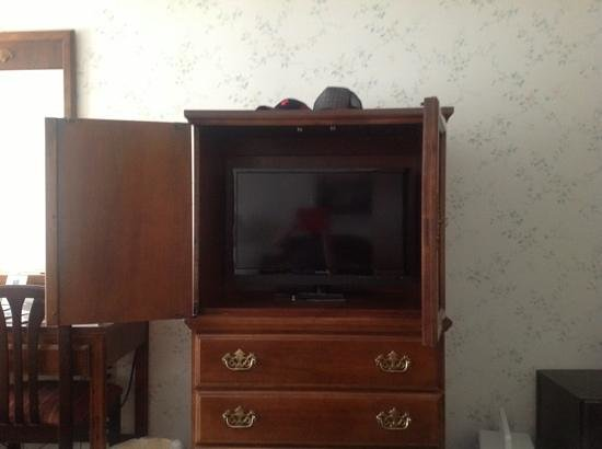 North Conway Mountain Inn: Flat screen TV