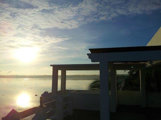 Casa Almarenzo Bed & Breakfast: Rooftop view of sunrise