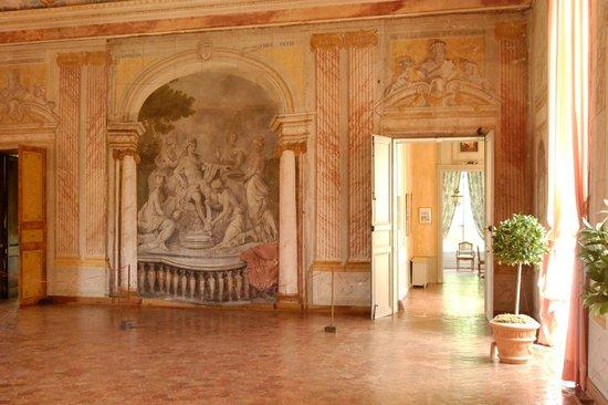 Chateau de Conde: la salle de bal décorée par Servandoni