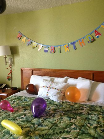 Outer Banks Inn: Decorated room!