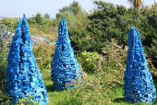 Tremenheere Sculpture Gardens: blue stone