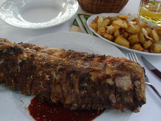 Hexenküche: The full double slab of yummy ribs!
