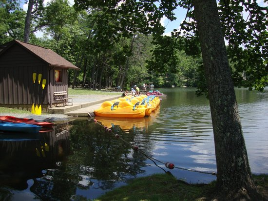 Cacapon State Park: Paddle boats