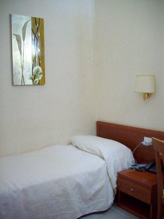 La Locanda del Manzoni: twin room's single bed