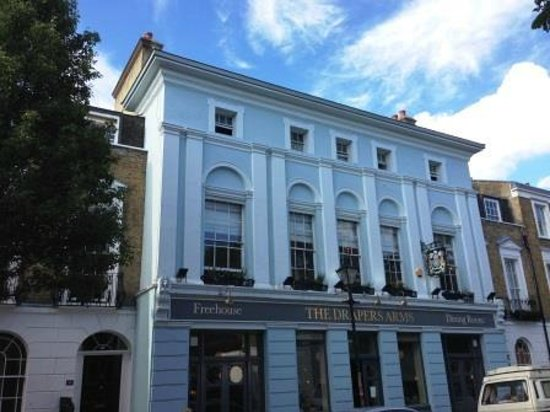 The Drapers Arms: The pub