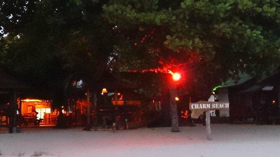 Charm Beach Resort : Beach Front
