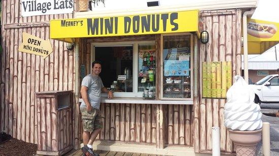 Siesta Key Village: Mini Donut Shop