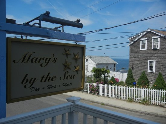 Mary's by the Sea Rockport : View from the deck