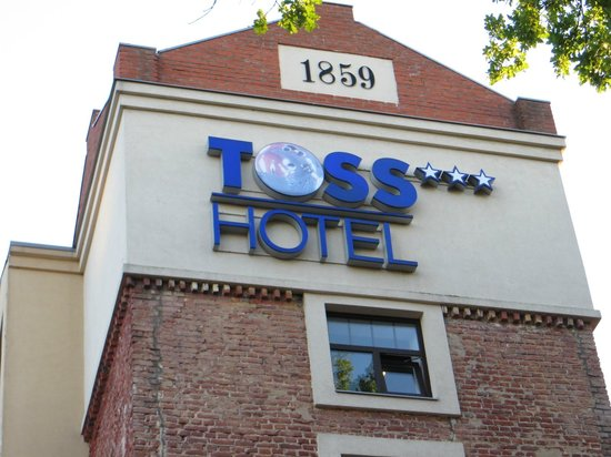 TOSS Hotel: front of hotel
