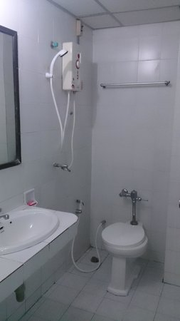 Win Hotel: Shower