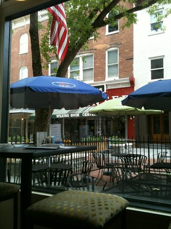 Village Market Bistro: Looking out from the Bistro window at Historic downtown Winchester,VA