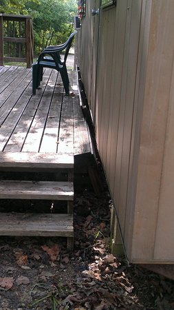 Indian Point Lodge: Deck falling off of one of our RVs