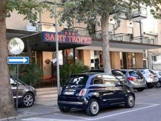 Hotel Saint Tropez: l'entrata dell'hotel