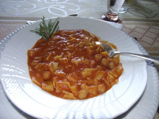 Pasta e ceci (Chickpea and pasta soup) - Picture of Umbriacooks4u ...