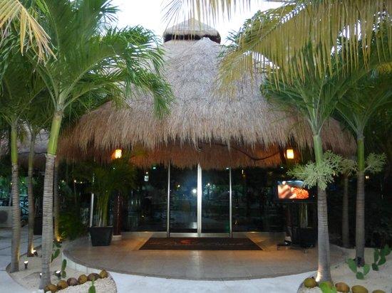 El Dorado Royale, by Karisma: Fuentes restaurant
